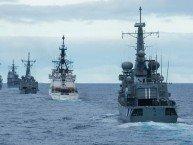 Fartøyer i formasjon klare til skyting på bevegelig mål. Foto: Forsvaret