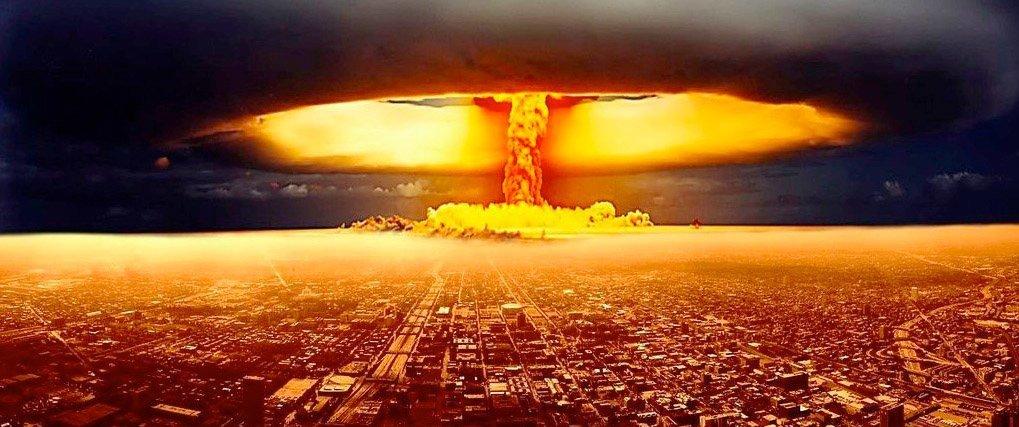 Når verdens største atommakt gir fullmakt til krig på grensa til verdens nest største atommakt er det på tide å reagere.