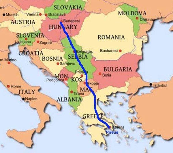 Kartet viser den omtrentlige ruta for den planlagte kinesiskbygde jernbanen fra Pireus til Budapest.