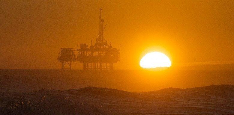 olje i solnedgang