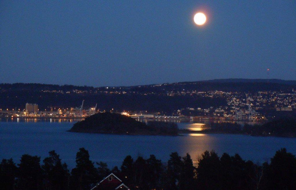 måne over nordstrand