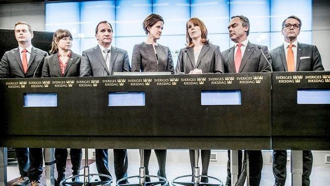 De svenske partiene presentrer desemberavtalen 2014