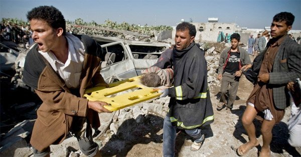 Saudi Arabia angrep Sana'a i nabolandet Jemen - mange drepte