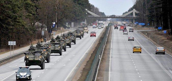 Amerikanske tropper under enøvelse ved Riga i Latvia
