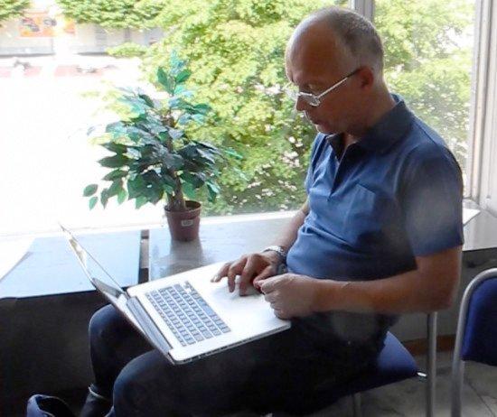 Pål Steigan i arbete i Degerfors 2012 [Foto: K Lindelöf]