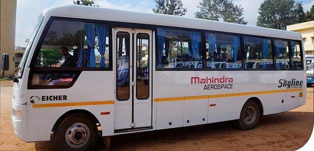 Dette er en 25-seters buss. Den har god plass til de 20 menneskene som eier like mye som den fattigste halvparten av befolkninga i USA