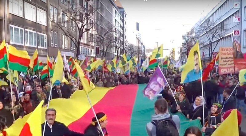 kurdere demonstrerer