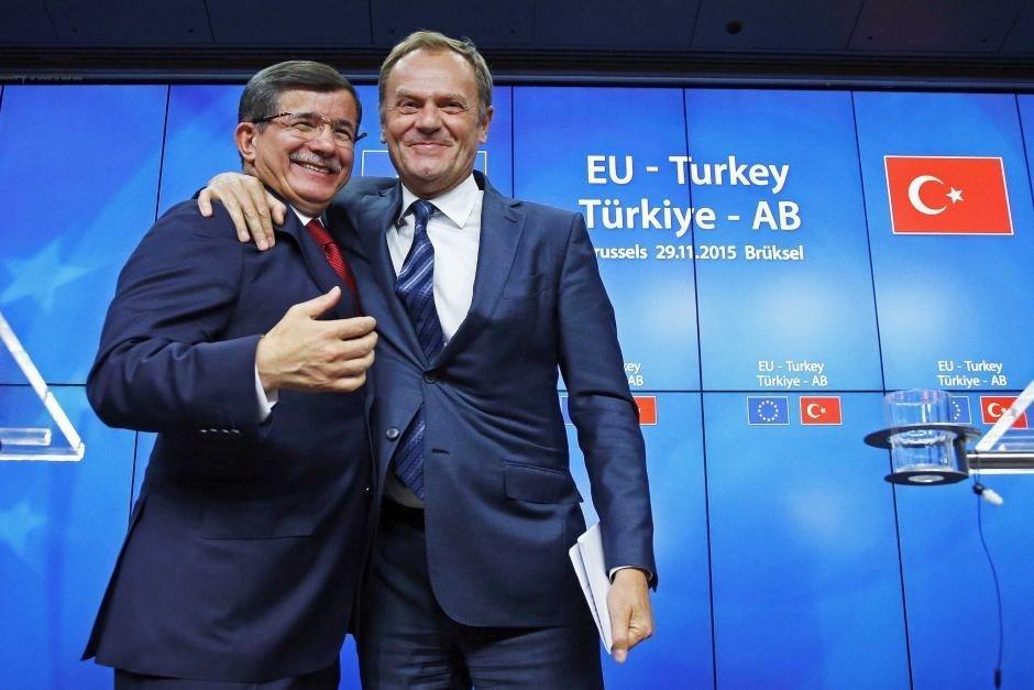 Donald Tusk og Ahmet Davutoğlu