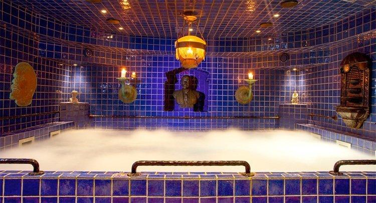 Leninbadet i hotell Gästis