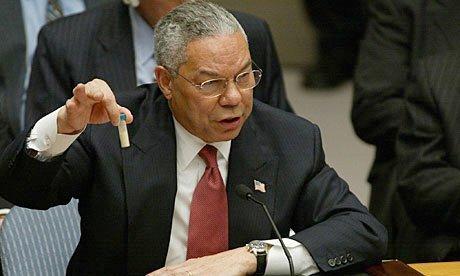 Colin Powell under hans tale i FN 2003 da han løy om Irak